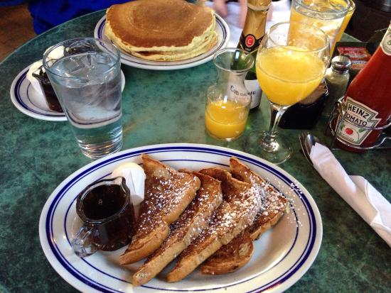 Blue Willow Restaurant & Gift Shop : Whole wheat Cinnamon raisin French toast