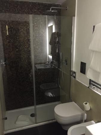 Quirinale Luxury Rooms: Baño