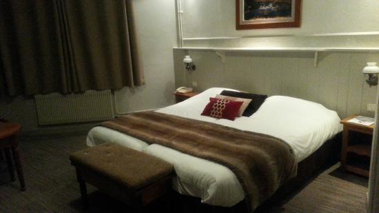 Les Bartavelles Hotel Restaurant : Chambre