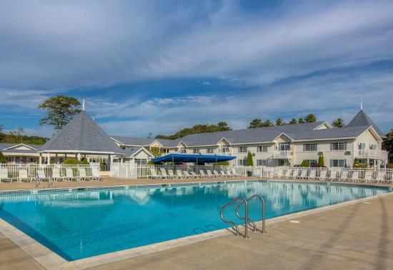 Ogunquit Resort Motel Pool Area