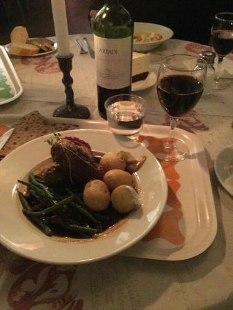 Bla Porten : Lamb meatballs with new potatoes and sautéed string beans.