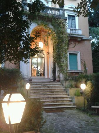 Villa Mangili: esterno