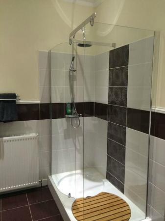 Braidmead House : Room 9 Bathroom