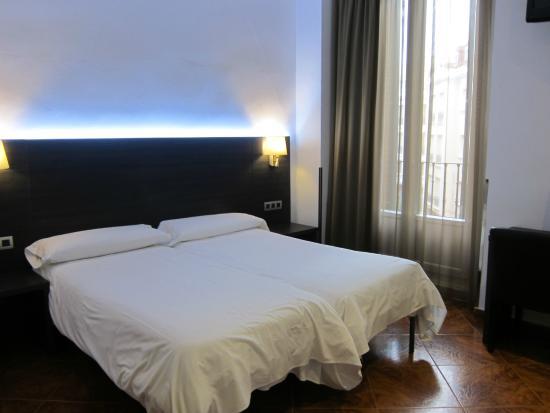 Hostal Marlasca : camas comodas