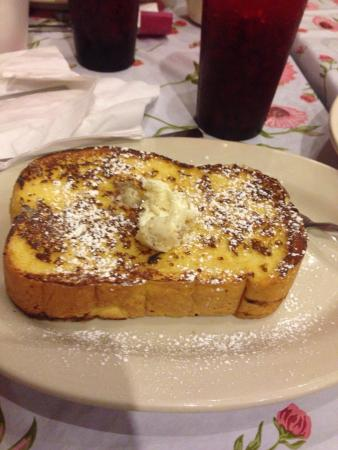 Fork & Spoon: Amaretto French Toast: you will be a happy eater.
