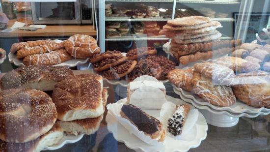 Carmel Bakery: Delicious bakery