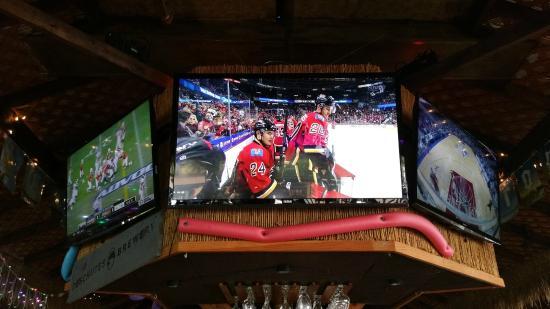 Rita's Finest Steak & Fish House: Plenty of TV's