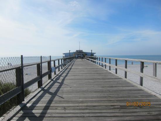 Fees picture of redington fishing pier redington shores for Gulf shores pier fishing forum