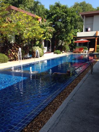 Phu NaNa Boutique Hotel: Poolside loveliness