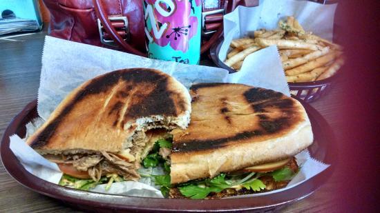 Twist Sandwiches & More