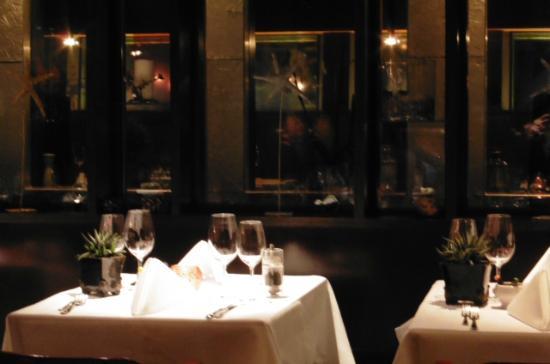 Hirschli: Small dining room