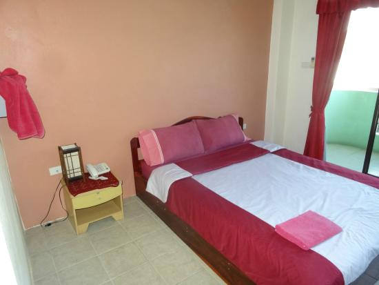 Billabong Hotel: 少し固めのベッド
