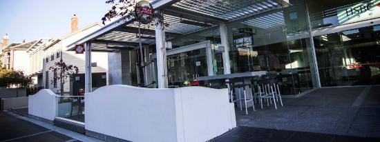 Boulevard Cafe & Bar