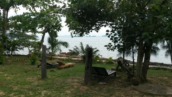 Esmeralda View Resort : Strand