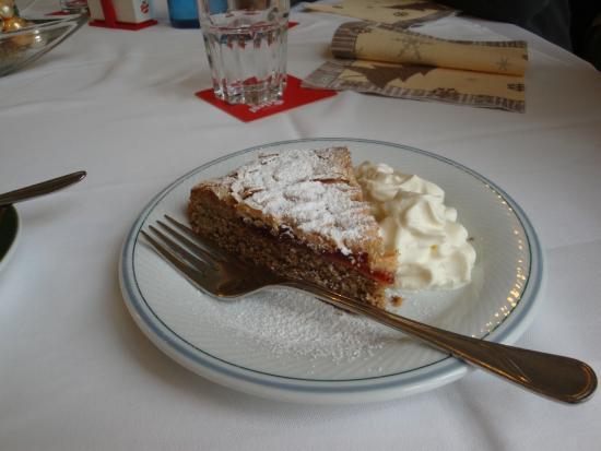Klosterhof: Linzer torte with whipped cream!