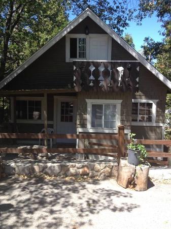 Antlers Inn: Our Lovely Cabin!
