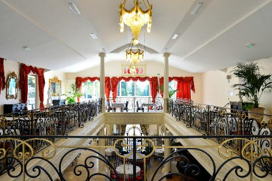 Imperial mougins fotograf a de le saint petersbourg for Le jardin restaurant mougins