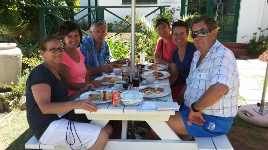Sao Goncalo's : Family breakfast in Lonsgships Drive