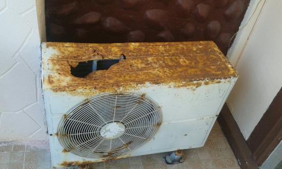 Plaloma Cliff Resort: Desperately needs replacing