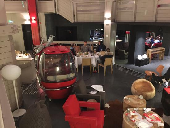 Hotel Le Val Thorens : Have a nice meal �� but don't forget to close your eyes and to keep your coat on