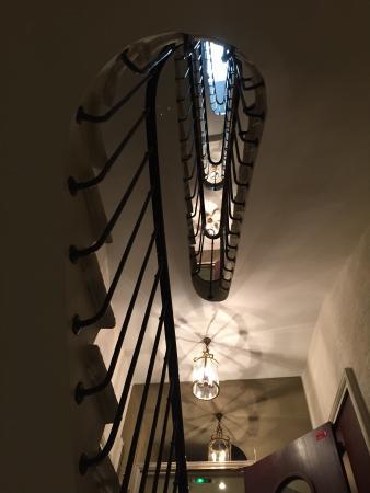 Hotel Saint Germain : Gorgeous staircase