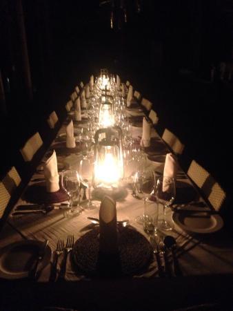 Rhino Post Safari Lodge : jantar