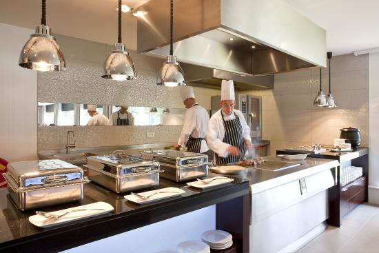 Ronde Tafel Venlo.Restaurant Ronde Tafel Foto Van Restaurant Van Der Valk