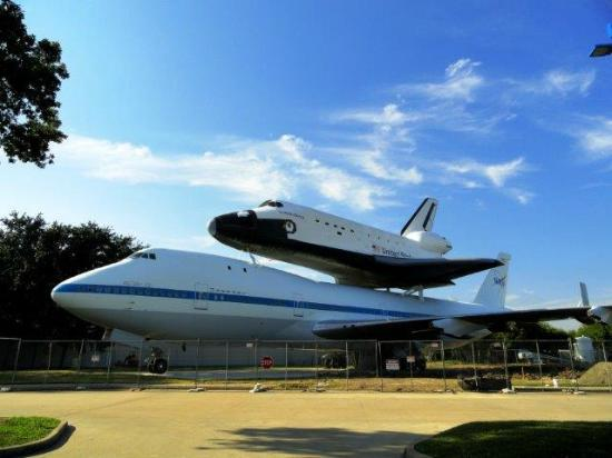 how to get to space center houston