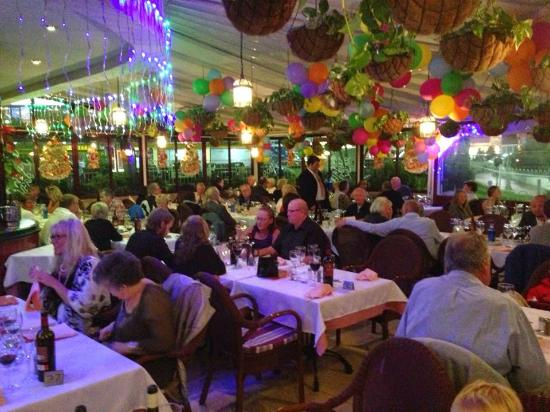 Restaurante La Bolera: Inside La Bolero