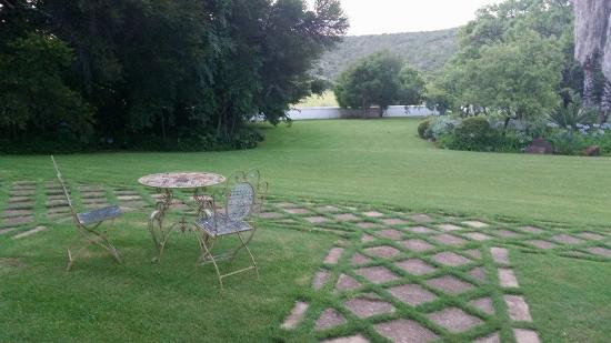 Leeuwenhof Country Lodge & Spa : The garden from our room