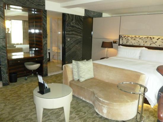 Lotte Hotel Seoul: Excellent quality for a standard room