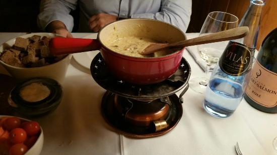 La Formatgeria de Llivia : Fondue de queso y ceps para compartir.