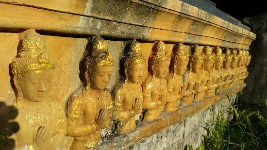 Dusit Dhewa - Samui Cultural Center and Fine Art of South East Asia : Von außen