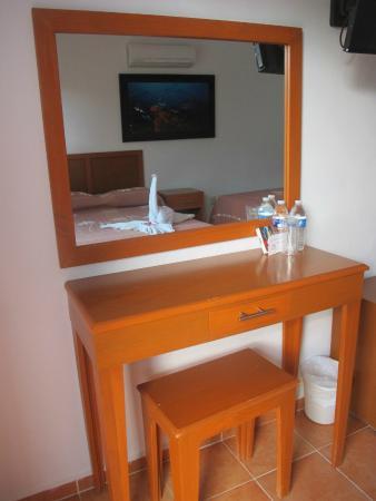 Hotel Los Arrecifes Costa Maya: Recámara