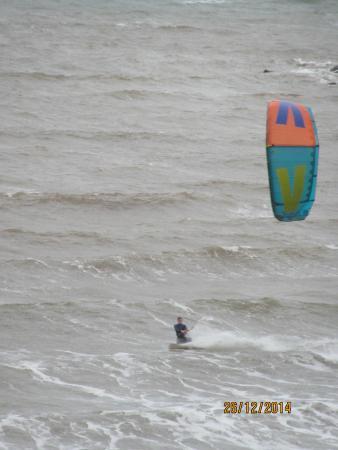 Hotel Elizabeth : Kite Surfer at Sidmouth