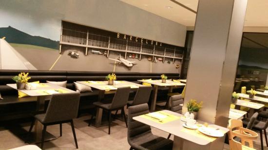 Hotel Vueling BCN by Hc : Breakfast Room