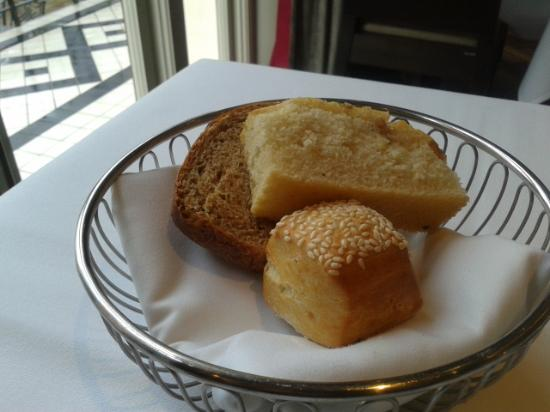 Restaurant 23: Delicious bread basket all home baked!