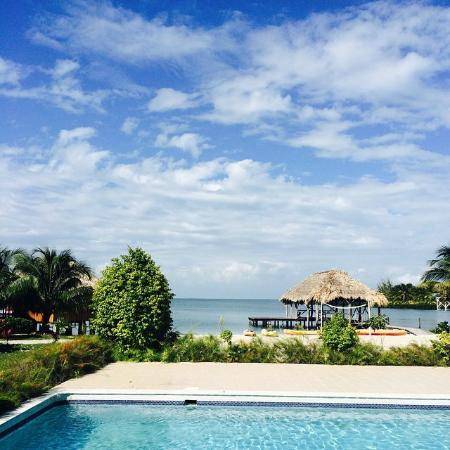 St. George's Caye Resort: Grounds view