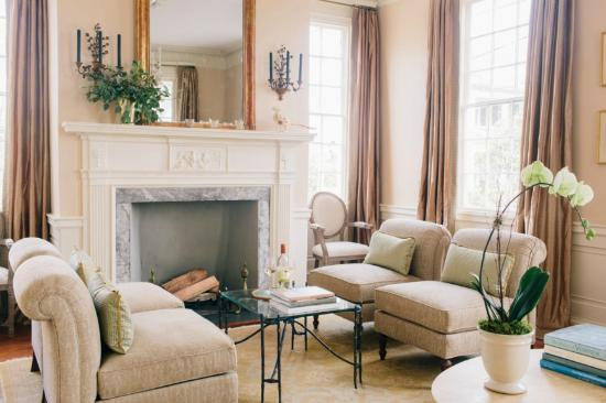 Zero George Street : Guests enjoy lounging in the drawing room