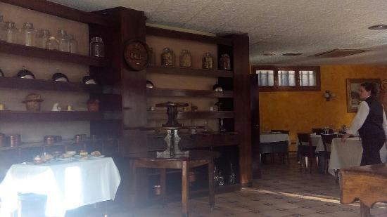 Hotel Coma: Ресторан в отеле.