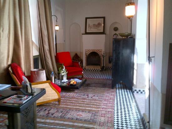 Riad Farnatchi: living room