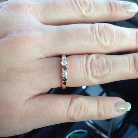 Shopper's Haven: Here's the ring!