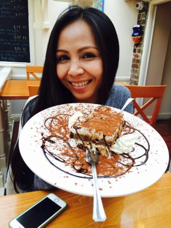 Pinocchio's: Very Tasty and the Tiramisu is not bad either !! x