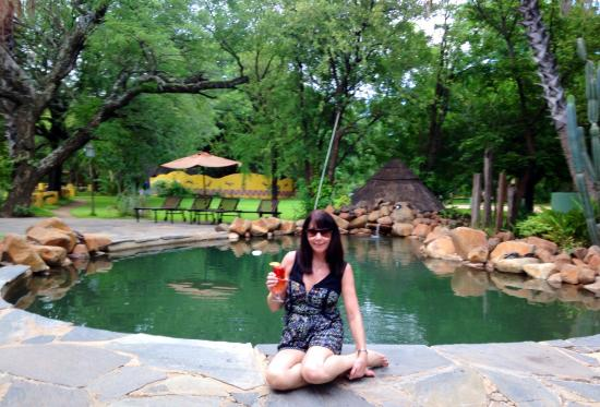 Maramba River Lodge: Chilling by the pool