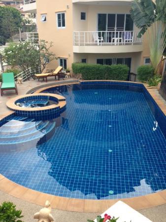 Chaweng Noi Residence: La piscine et son jacuzzi