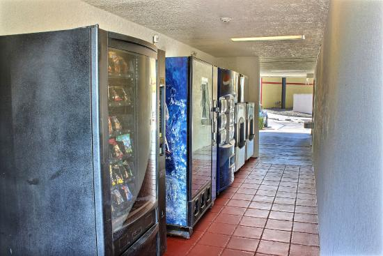 Motel 6 Paso Robles : Vending