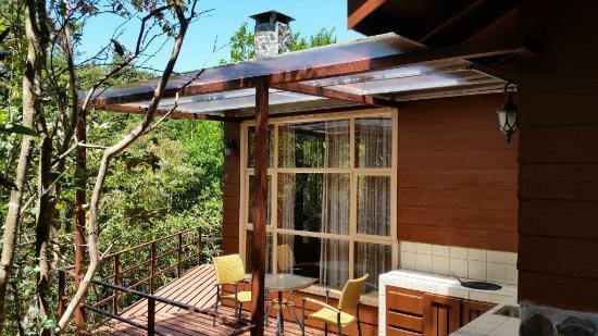 Cerro Plano, Costa Rica: BBQ / terrace in Superior cabins