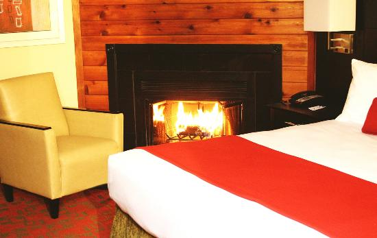 hotels with a fireplace in room. Best Western Plus Poconos Hotel  Room With Log Burning Fireplace Picture of