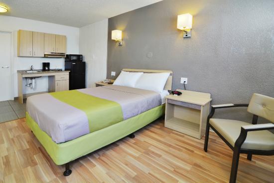 Studio 6 Tucson: Guest Room
