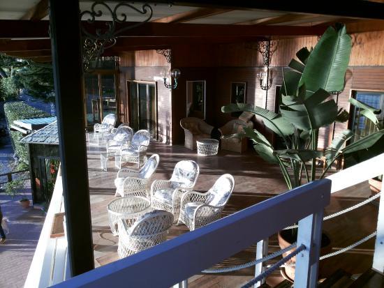 Baia Beniamin : Lounge con vista mare di alcune camere